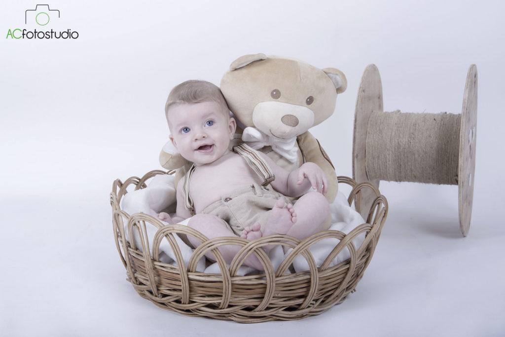 bambino dendro cesta