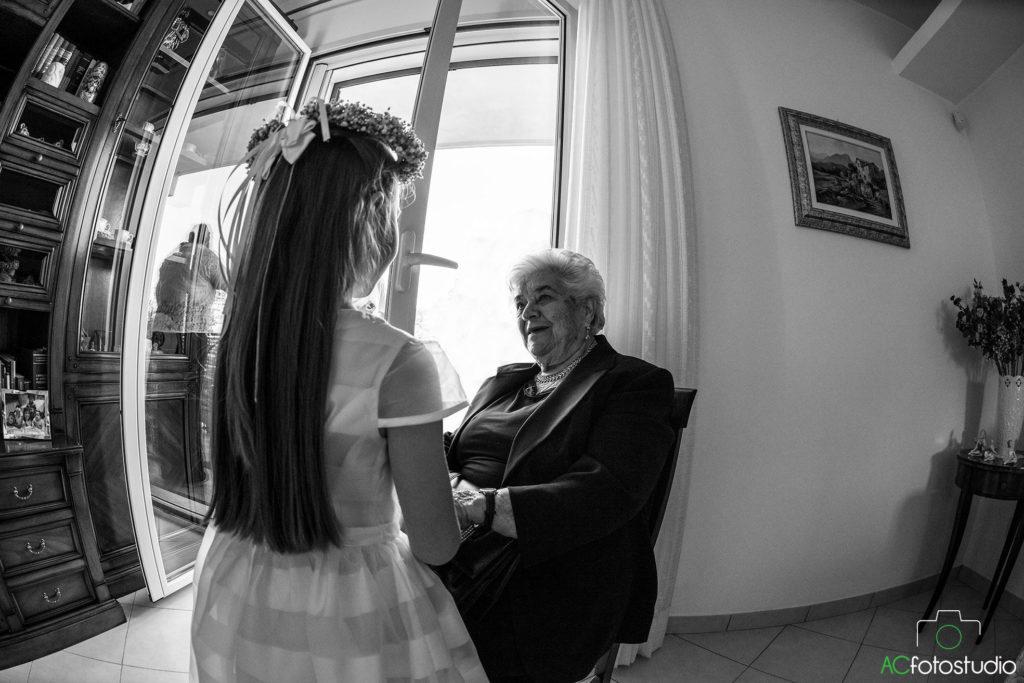 09 damigella con la nonna