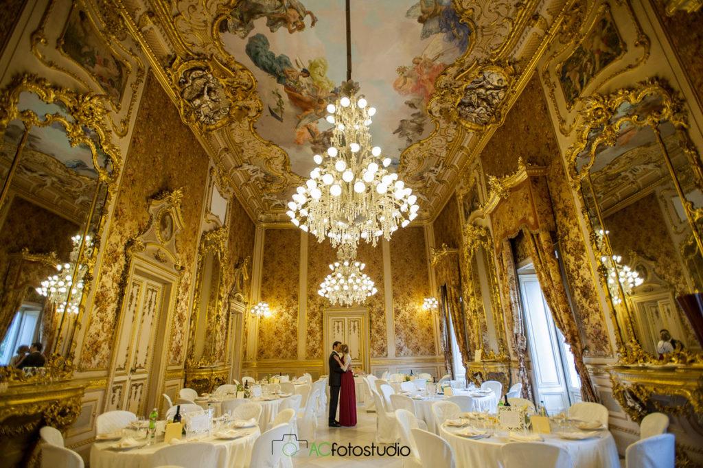 12 sposi sala lusso