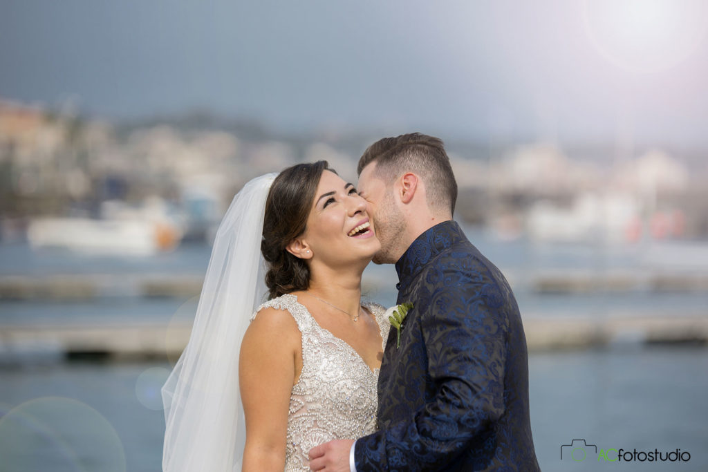 20 sposi che ridono