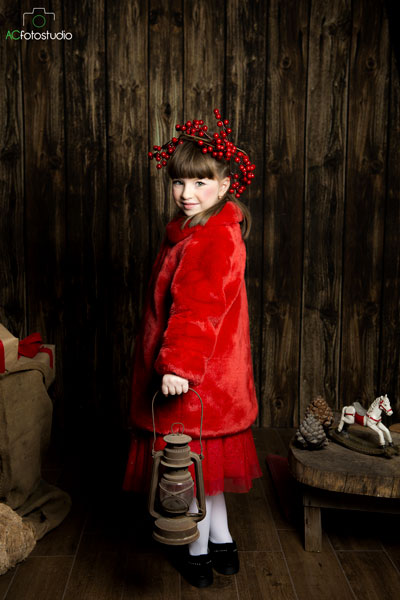 bambina in rosso
